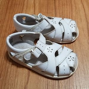 Stride ride sandals for girl size 6w